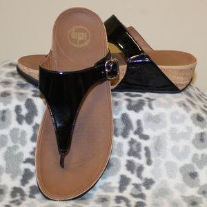 Fitflop Women size 10 Black Patent Sandal
